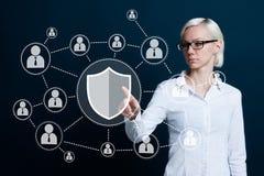 Web do negócio do ícone do vírus da segurança do protetor do botão Imagens de Stock