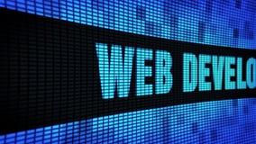 Web-Entwicklungs-Seitentext, der LED-Wand-Anzeigetafel-Zeichen-Brett in einer Liste verzeichnet stock footage