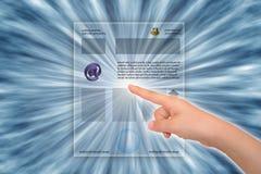 Web page tuching de Hend Imagen de archivo libre de regalías