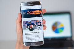 Web site of Chicago Bears sport team on phone screen stock photos