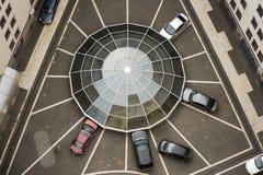 Web-vormig autoparkeren Royalty-vrije Stock Fotografie