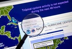 Webbsida av National Hurricane Centern royaltyfria bilder