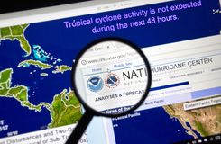 Webbsida av National Hurricane Centern arkivfoton
