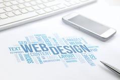 Webdesigngeschäftskonzeptwortwolken-Druckdokument, Tastatur, Lizenzfreie Stockbilder