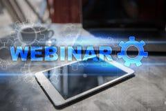 Webinar Обучение по Интернетуу, онлайн концепция образования развитие личное экран фактически стоковые фото