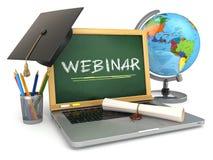 Webinar教育概念 有黑板的,灰浆板膝上型计算机 库存照片