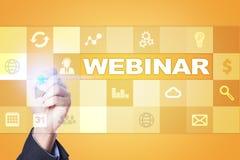 Webinar Nauczanie online, online edukaci pojęcie rozwoju ogłoszenie towarzyskie zdjęcie royalty free