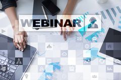Webinar Nauczanie online, online edukaci pojęcie rozwoju ogłoszenie towarzyskie parawanowy wirtualny obraz royalty free