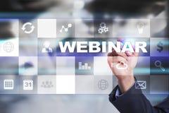 Webinar Nauczanie online, online edukaci pojęcie rozwoju ogłoszenie towarzyskie parawanowy wirtualny zdjęcia royalty free