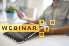 Webinar Nauczanie online, online edukaci pojęcie rozwoju ogłoszenie towarzyskie parawanowy wirtualny obrazy stock