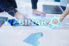 Webinar Nauczanie online, online edukaci pojęcie rozwoju ogłoszenie towarzyskie parawanowy wirtualny obraz stock