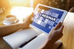 Webinar, nauczanie online, online edukacji pojęcie na ekranie zdjęcie stock