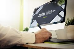 website för byrå för rengöringsdukbärare digital Royaltyfria Foton