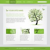 Websitedesignmall med det gröna trädet Arkivfoto