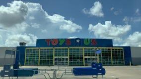 WEBSTER, TX - SIERPIEŃ 10th 2018 Porzucających zabawek R My lokacja miesiące po firm kartotek dla rozdziału 11 bankructwa zbiory