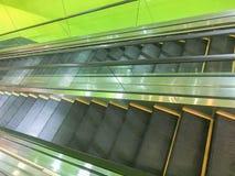 Wechselseitige moderne Rolltreppe Lizenzfreie Stockfotos