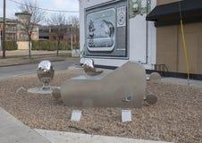 Wecken, die Geburt des riesigen Roboter Reise-Mannes in tiefem Ellum, Dallas, Texas lizenzfreie stockfotos