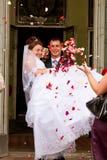 Wed neuf les couples heureux images libres de droits