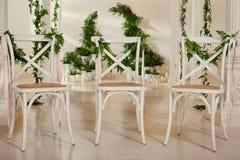 3 Wedding белых стуль Стоковые Изображения