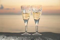 2 wedding стекла с шампанским Стоковые Фотографии RF