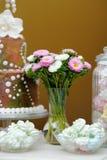 Wedding сладостная таблица стоковые изображения