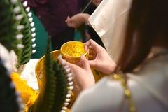 Wedding тайской крупный план пожененный одеждой Стоковое Фото