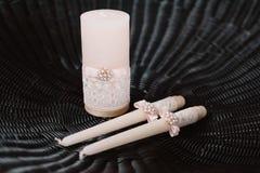 Wedding украшенные свечи в нежно светлой - розовый стиль Стоковое Изображение
