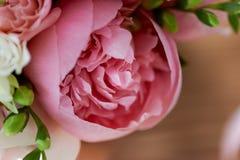 Wedding формы Bridal букета классические в розовых тонах Wedding floristry пион большой Стоковые Изображения RF