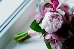 Wedding формы Bridal букета классические в розовых тонах Wedding floristry Стоковые Изображения RF