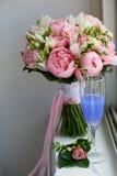 Wedding формы Bridal букета классические в розовых тонах Wedding floristry Стоковое Изображение RF