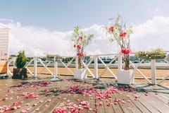 Wedding arch on the beach Royalty Free Stock Photos
