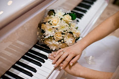 Wedding bouquet. Beautiful wedding decor and flowers for the groom and bride Stock Images