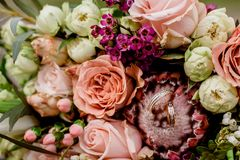 Wedding bouquet and rings. close up stock images