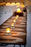 Wedding Bridal тема пляжа таблицы с песком и Candes Стоковые Фото