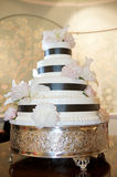 Wedding Cake. A fancy wedding cake at a reception Royalty Free Stock Images