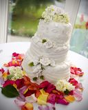 Wedding cake. On table Royalty Free Stock Photos