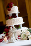 Wedding cake with bride and groom Royalty Free Stock Images