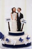 Bride & Groom - Wedding Cake Decoration Royalty Free Stock Photos
