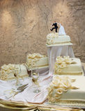 Wedding cake with figurines Royalty Free Stock Photos