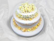 Wedding cake with flowers Royalty Free Stock Photos