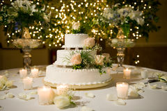 Free Wedding Cake On The Decorated Table Royalty Free Stock Image - 6805916