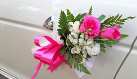 Wedding car decoration. With pink rose Royalty Free Stock Images