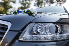 Wedding car and flowers Royalty Free Stock Photos