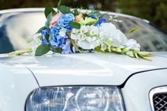 Wedding car and flowers Royalty Free Stock Image