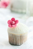 Wedding cupcake Royalty Free Stock Images