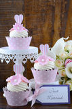 Wedding Day shabby chic style pink cupcakes Stock Photography
