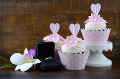 Wedding Day shabby chic style pink cupcakes Stock Image