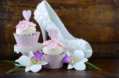 Wedding Day shabby chic style pink cupcakes Royalty Free Stock Photos