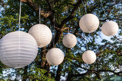 Wedding decor. Glowing lanterns in the sky Royalty Free Stock Photos