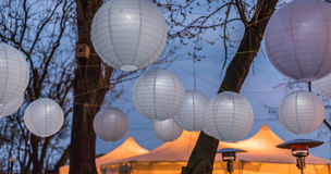 Wedding decor. Glowing lanterns in the sky Royalty Free Stock Images